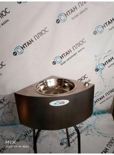 Фонтанчик питьевой угловой Водяной-3 с кнопкой и СанПиН кольцом