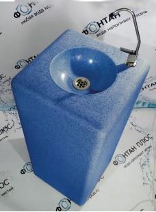 Фонтанчик питьевой из искусственного камня с клавишным краном
