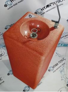 Фонтанчик питьевой из искусственного камня с кнопкой и клавишным краном