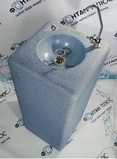 Фонтанчик питьевой из искусственного камня с кнопкой и поворотным краном