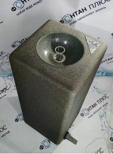 Фонтанчик питьевой из искусственного камня с педалью